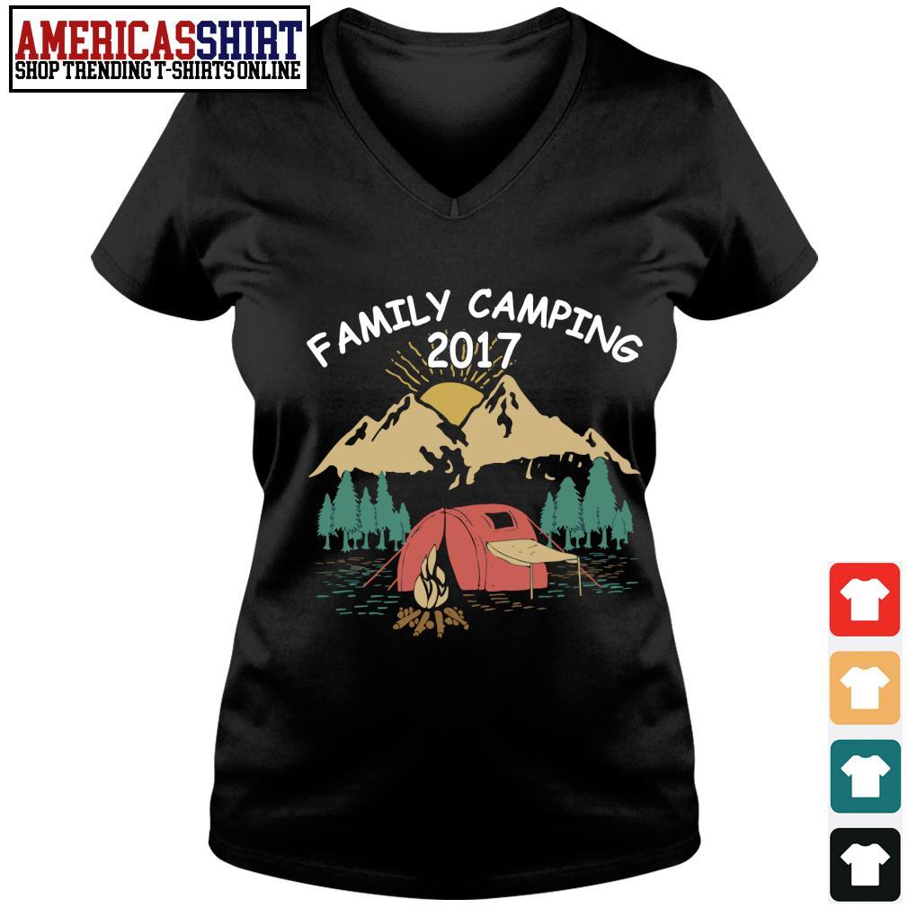 Family camping 2017 vintage s v-neck t-shirt